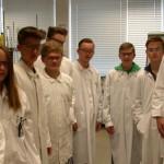 Experimentieren im Schülerlabor der Firma Bayer-  ein Tag Praxiserfahrung bei unserem Kooperationspartnerunternehmen