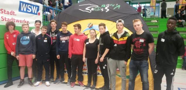 """Platz 2 und 3 für unsere """"Boccia Babos"""" und """"Fratz United"""" beim 1. Wuppertaler Crossboccia-Schulmeisterschaft in der Bayer-Halle"""